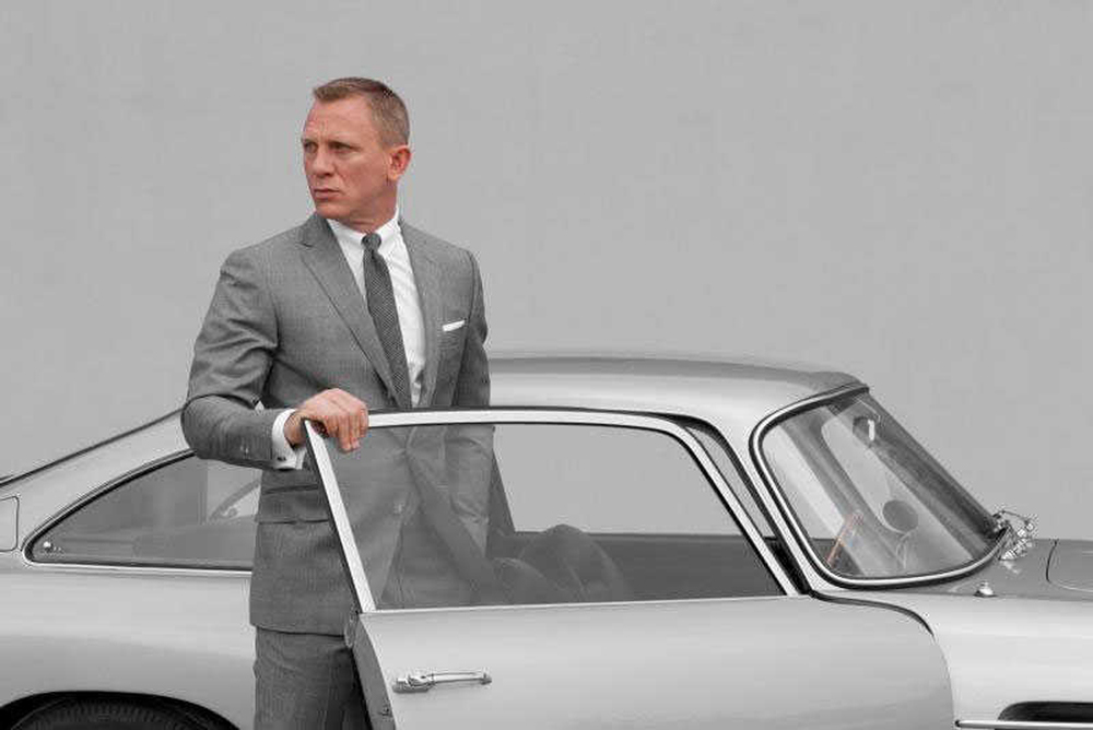 skyfall-co-writers-brought-back-for-bond-24-to-bump-up-the-humor