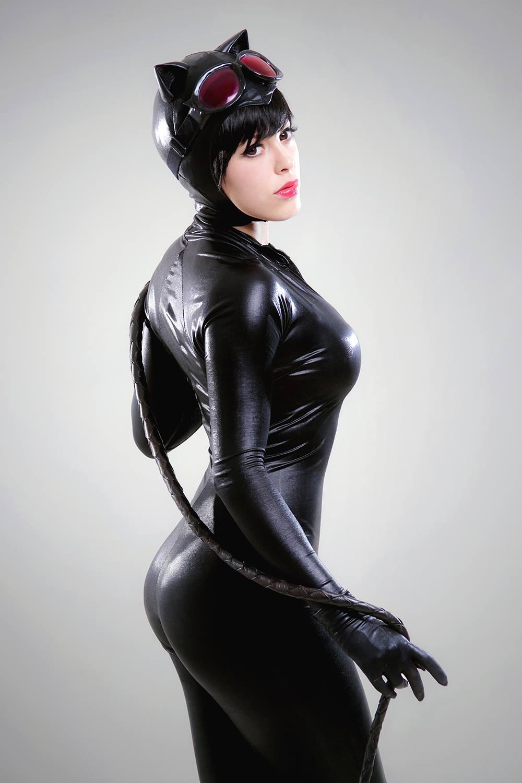 Nadyasonika  is Catwoman — Photo by Ignacio Mendoza Fotografía