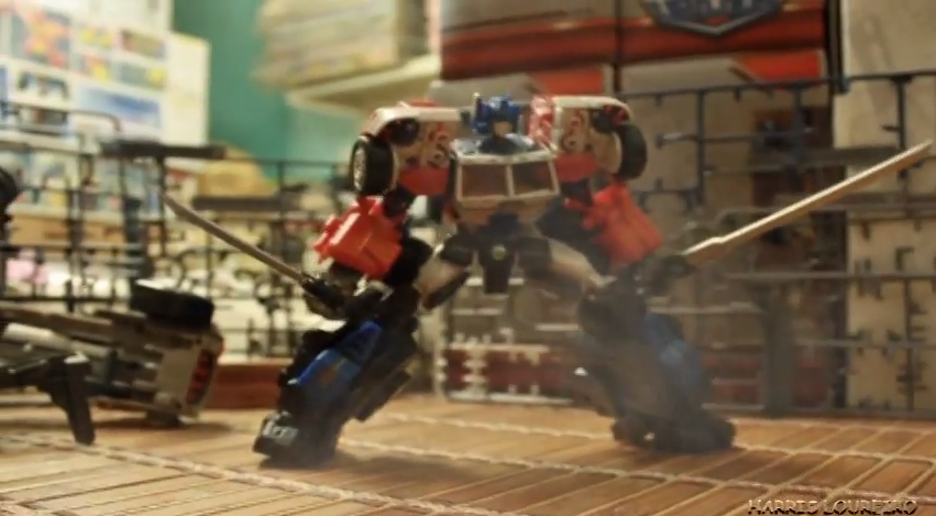 stop-motion-transformers-short-attack-on-giant
