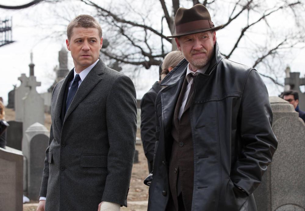 Gotham_pilot_Gotham_Cemetery_0498.jpg