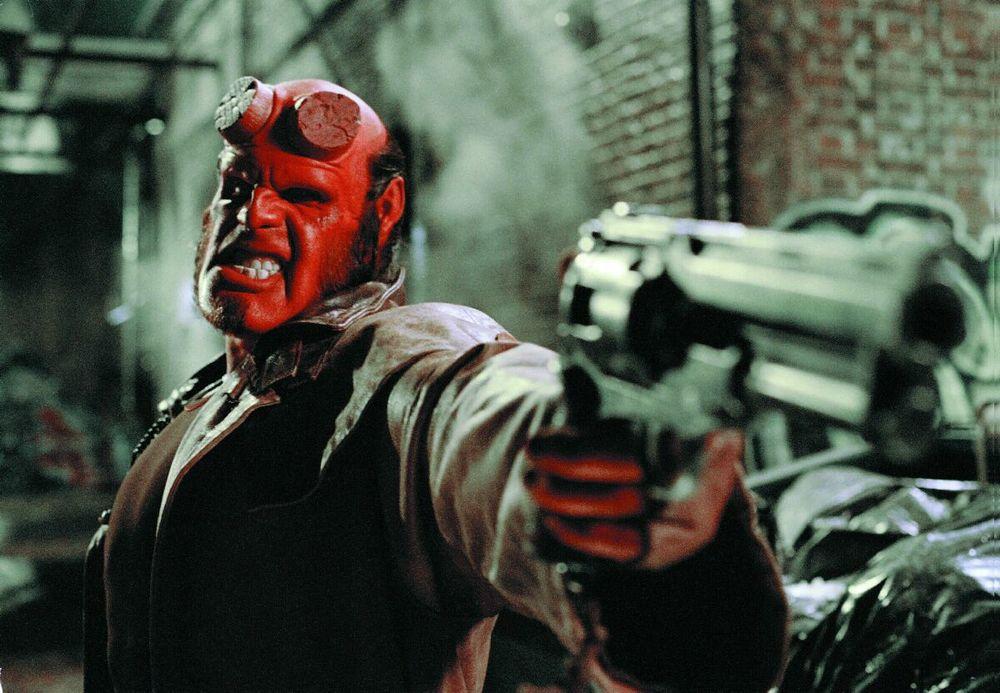 film_hellboy6_pistole061511.jpg