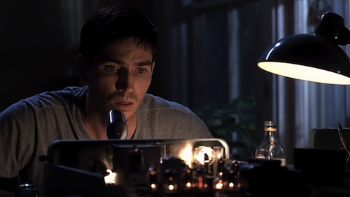 jim-caviezel-en-frequency.jpg