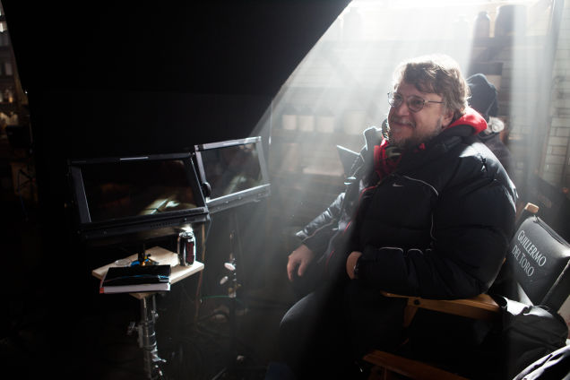 guillermo-del-toro-discusses-his-gothic-horror-film-crimson-peak1