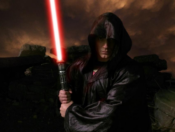 henry-cavill-super-sith-lord1