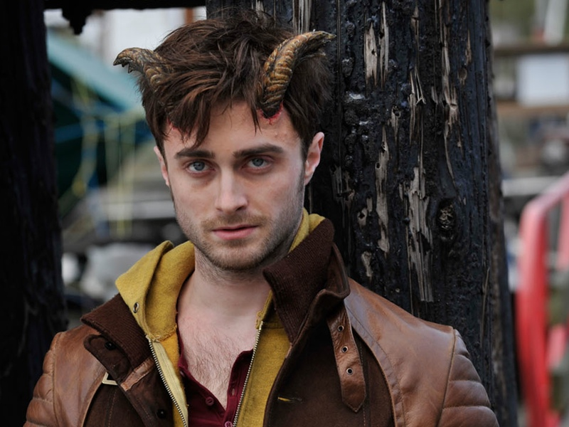 new-trailer-for-daniel-radcliffes-horns-social.jpg