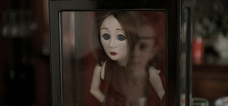 10 creepy dolls in horror movies geektyrant
