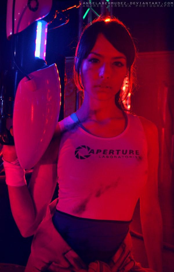 chell__portal_2_by_angelabermudez-d7k3i6z.jpg