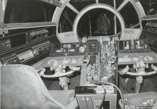 set-photos-from-inside-millennium-falcon-in-star-wars-episode-vii13