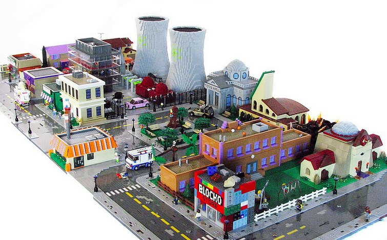 the-simpsons-town-of-springfield-made-out-of-lego1
