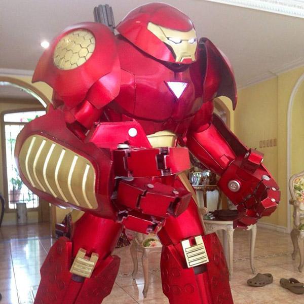 impressive-iron-man-hulkbuster-cosplay