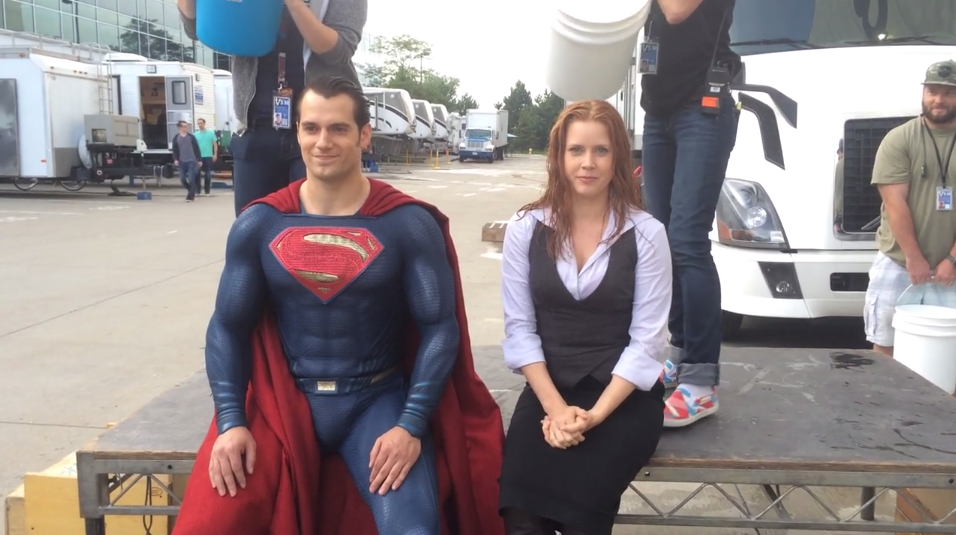 henry-cavill-takes-the-asl-ice-bucket-challenge-as-superman