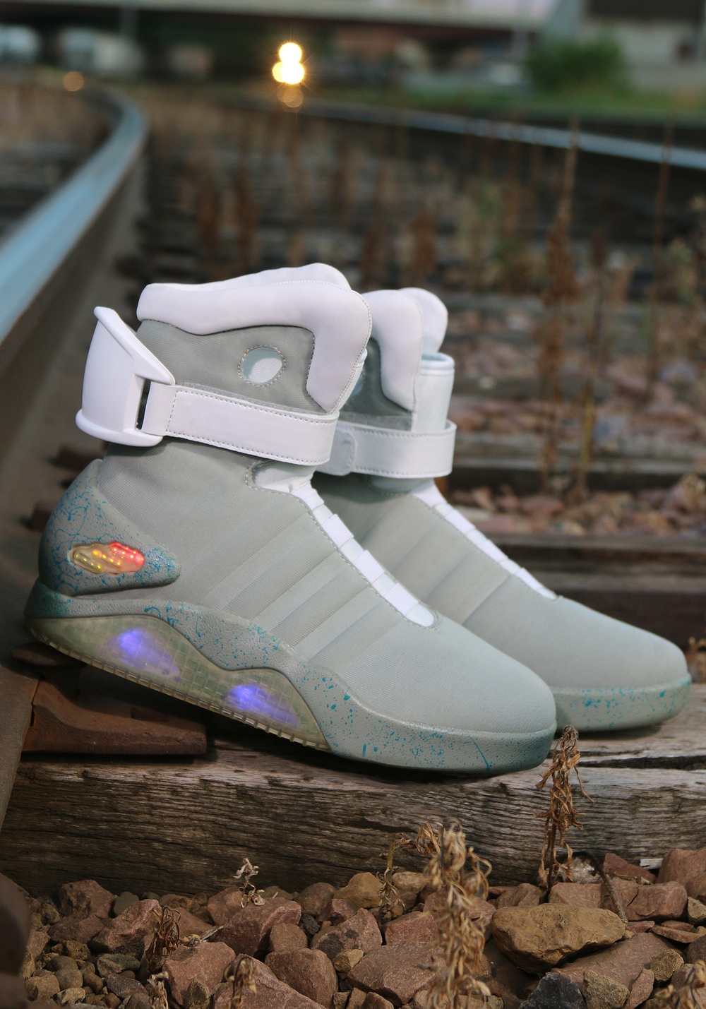 back-to-the-future-2-light-up-shoes-alt-4.jpg