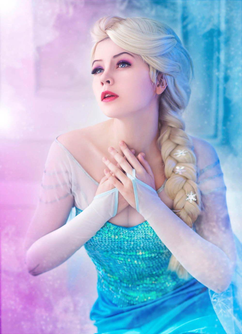 ve got a Best of Elsa cosplay in the works, but just had to share ...: geektyrant.com/news/dazzling-elsa-from-frozen-cosplay