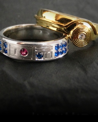 star wars inspired r2 d2 and c 3po wedding rings geektyrant - Nerd Wedding Rings
