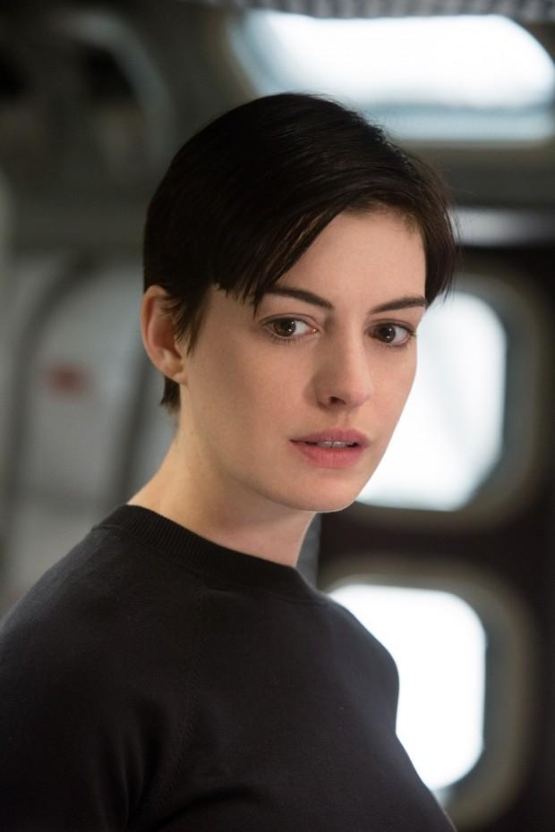 Interstellar-Anne-Hathaway-1.jpg