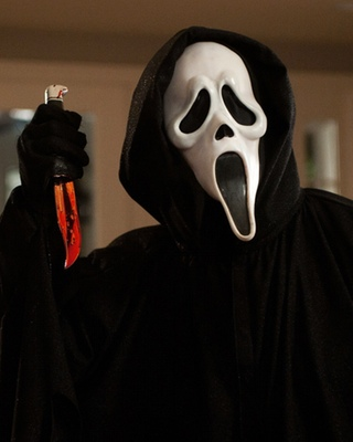 SCREAM 4: Two Different Ghostface Masks and Opening Scene