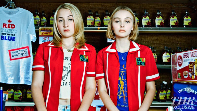 johnny-depp-and-kevin-smiths-daughters-in-first-yoga-hosers-photoKevin Smith Daughter