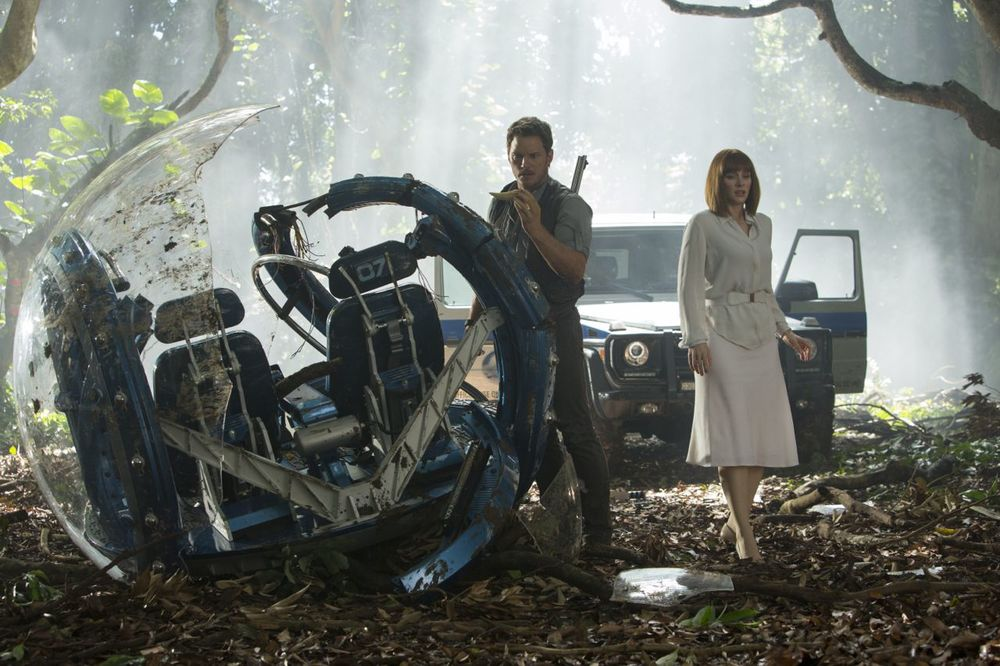 jurassic-world-director-discusses-movie-details