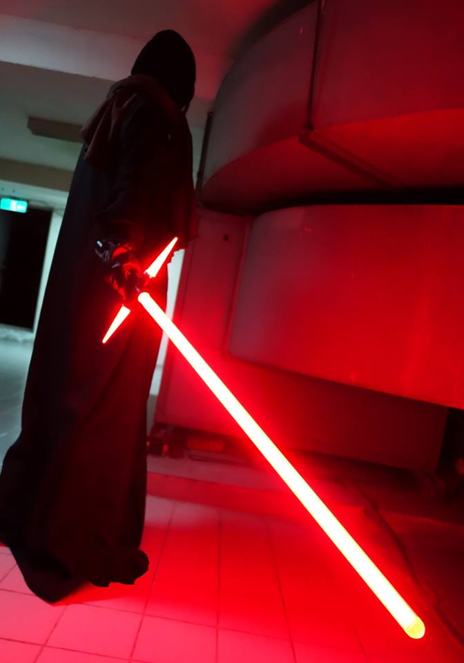 Amazing Crossguard Lightsaber Replica From Star Wars The