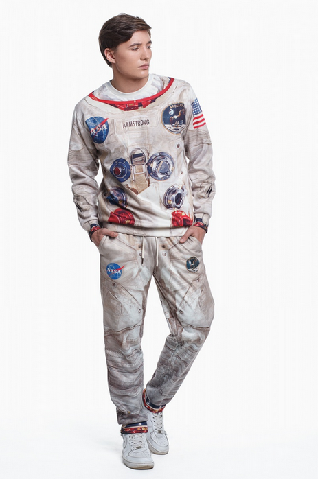 apollo-11-inspired-spacesuit-sweatsuit3