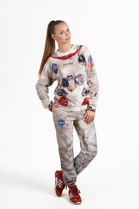 apollo-11-inspired-spacesuit-sweatsuit6