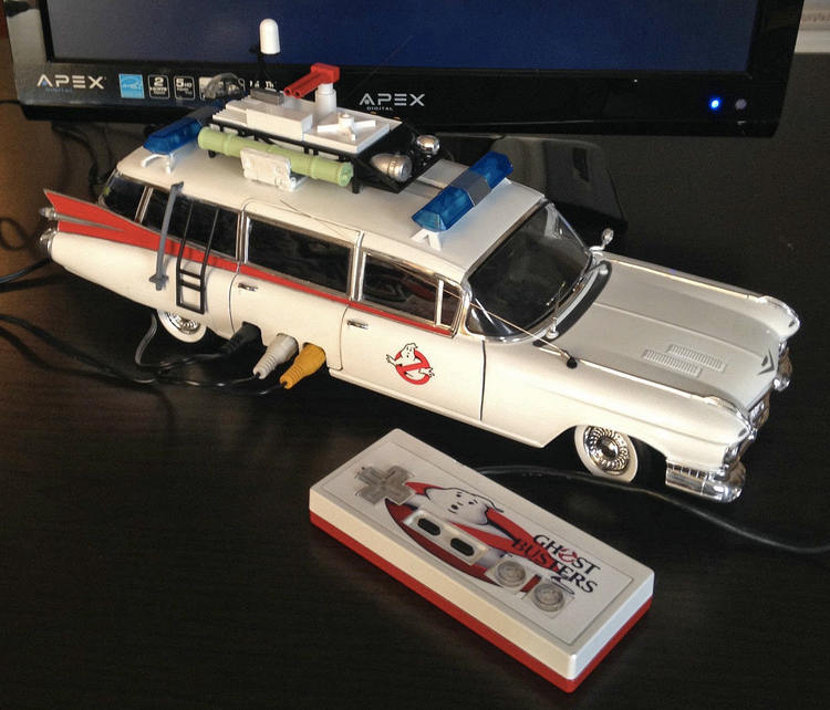 there s a working nintendo inside this ecto 1 geektyrant