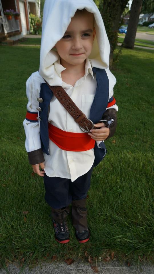 Assassin's Creed Cosplay — Source:  Imgur