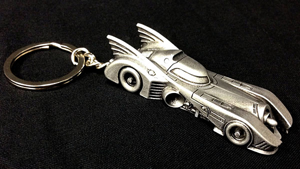 hstl_1989_batmobile_keychain_side.jpg