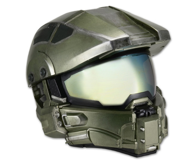 this-halo-master-chief-motorcycle-helmet-is-street-legal