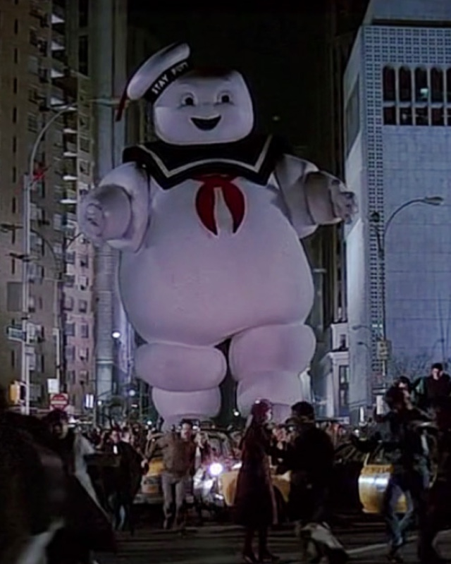 cacded0bb3 GHOSTBUSTERS  Stay Puft Marshmallow Man - Behind-the-Scenes Info Video