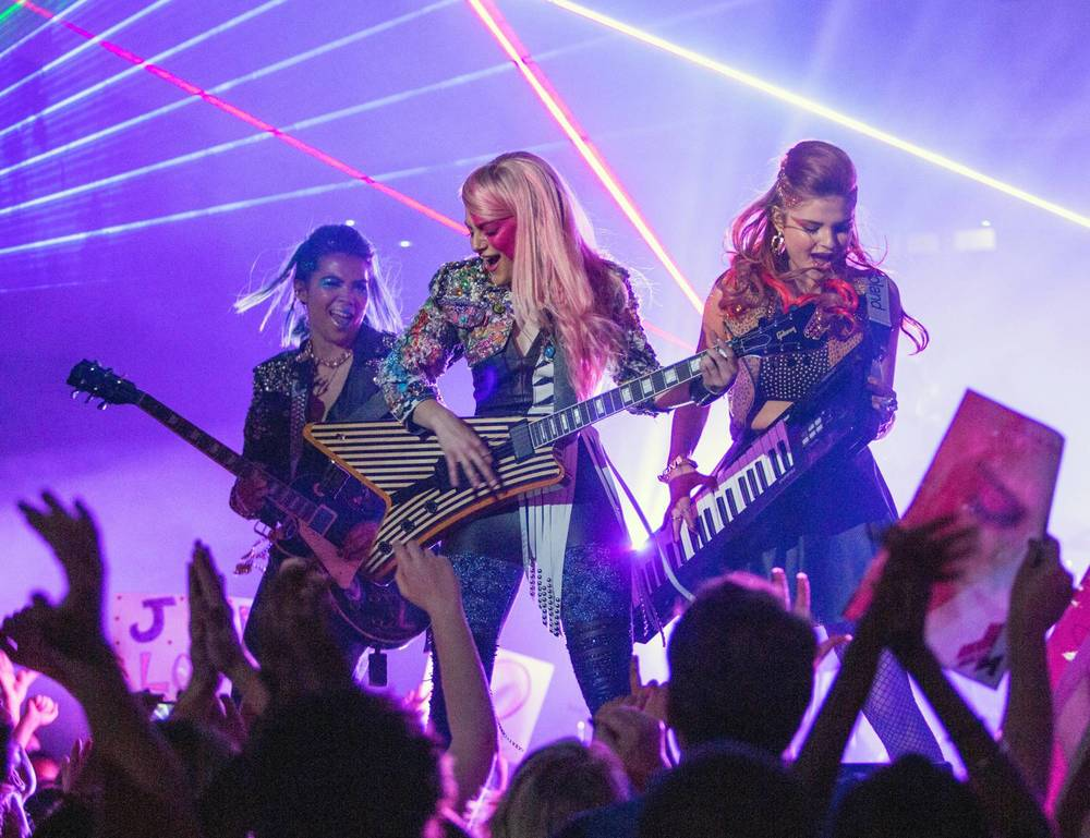 jem-and-the-hologram-official-synopsis-and-hi-res-photo