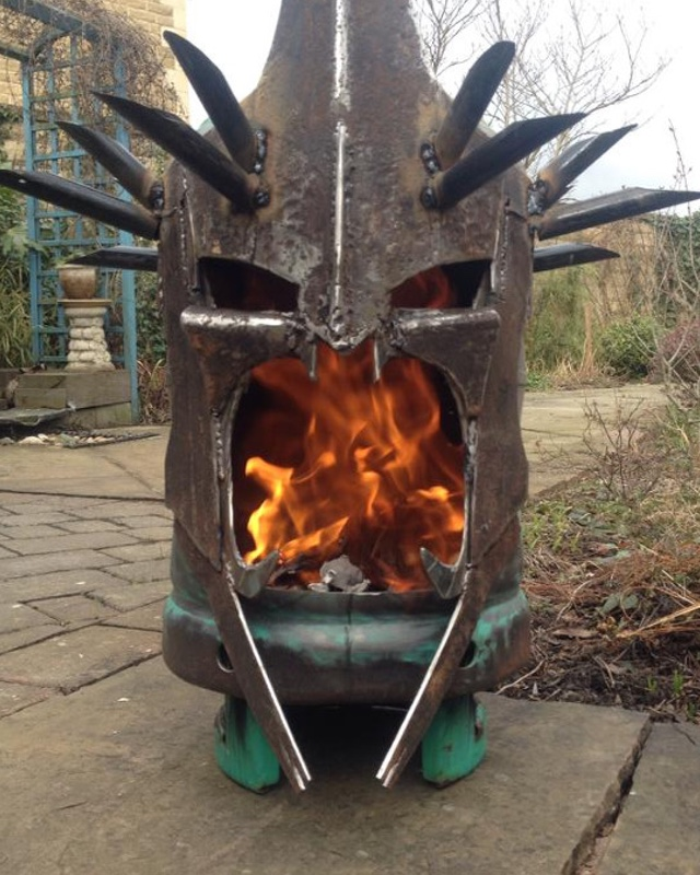 LORD OF THE RINGS Witch King Fire Pit — GeekTyrant Cartoon Wedding Cake Images