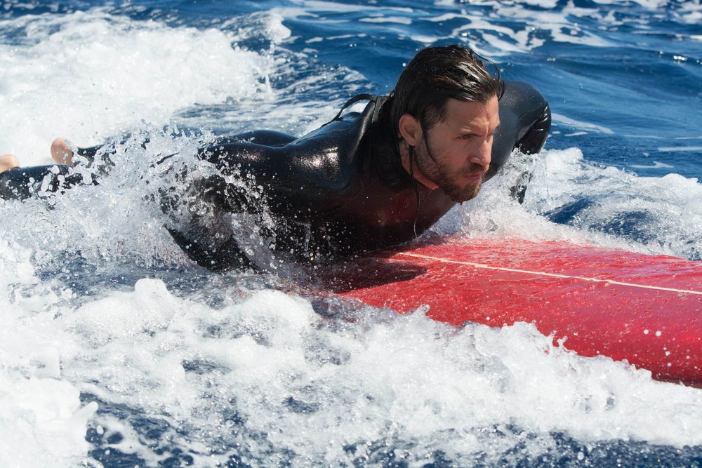 first-photos-from-point-break-remake-with-official-synopsis