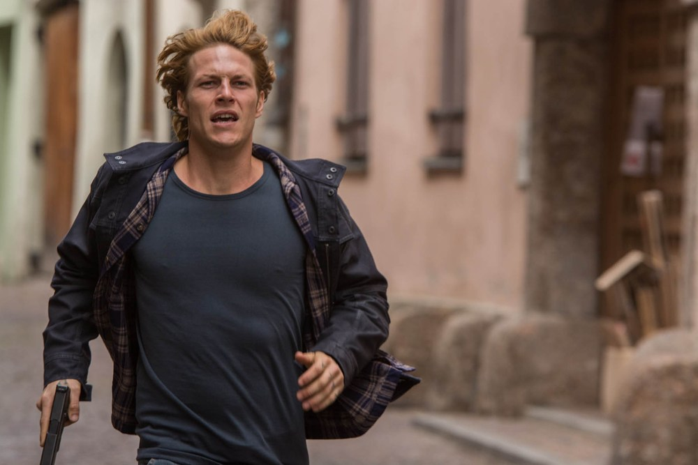 first-photos-from-point-break-remake-with-official-synopsis1