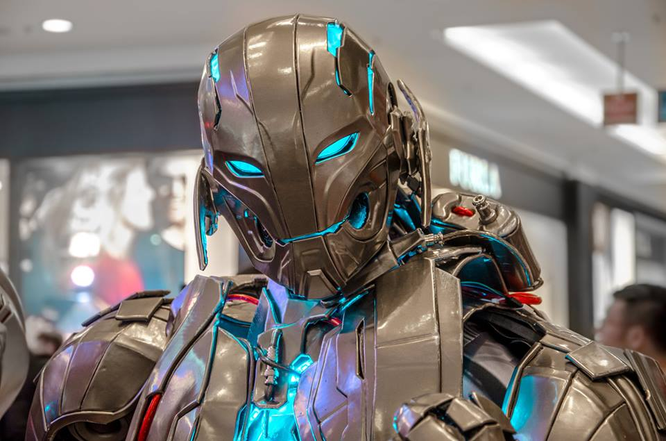 impressive-ultron-cosplay-for-avengers-age-of-ultron12