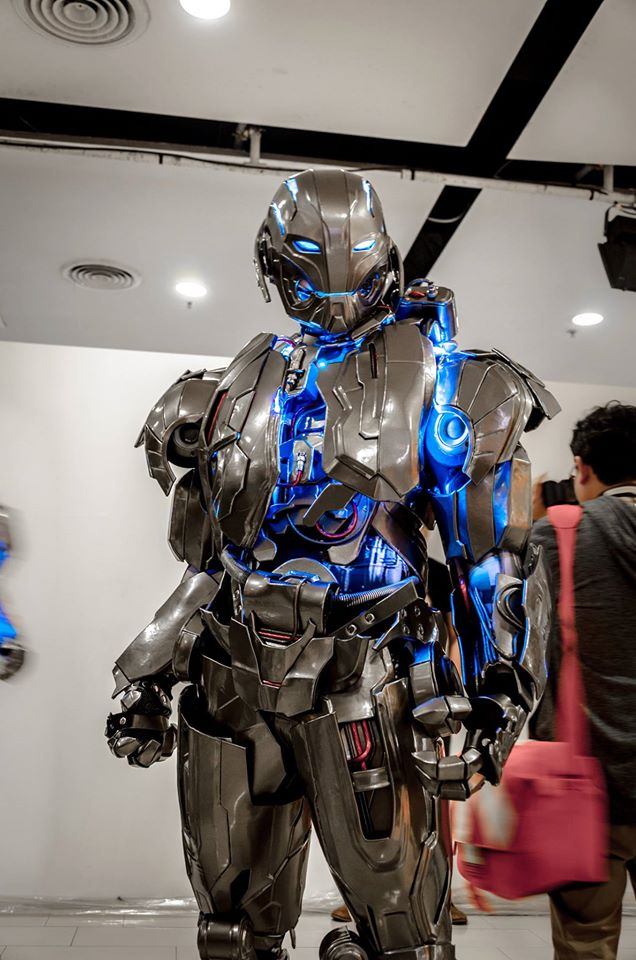 impressive-ultron-cosplay-for-avengers-age-of-ultron3