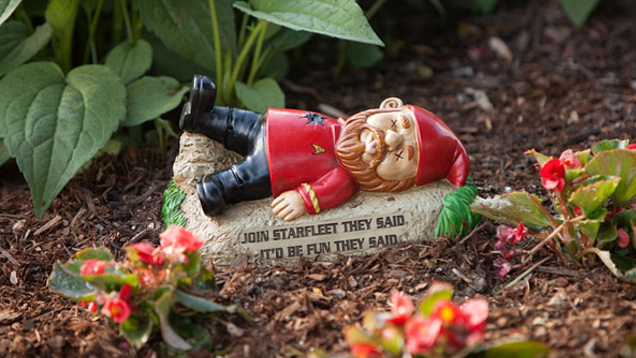 only the crazy minds at think geek would come up with the wonderfully ridiculous idea to make and distribute star trek garden gnomes these things are funny - Funny Garden Gnomes