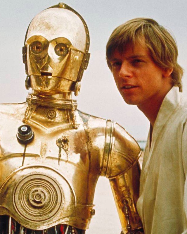 ... C 3PO Is Rocking A Red Arm In Promo Image From STAR WARS: THE