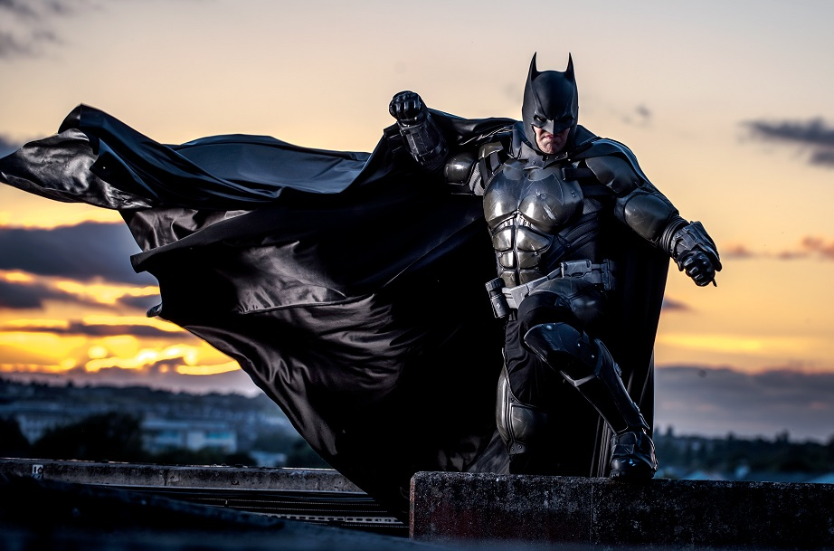stunning-batman-cosplay-inspired-by-arkham-origins