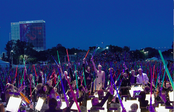 jj-abrams-treats-star-wars-fans-at-sdcc-to-free-concert-and-lightsabers2