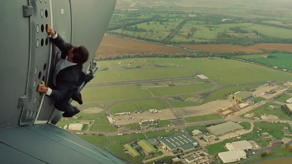 MISSION IMPOSSIBLE ROGUE NATION Featurette Shows Tom Cruise - Behind the scenes of the insane plane stunt in mission impossible rogue nation