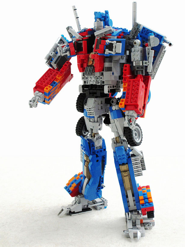 custom-made-transformable-lego-optimus-prime1
