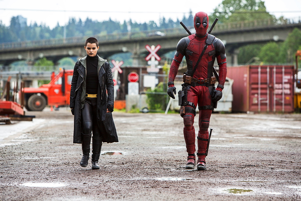 deadpool-busts-out-his-swords-in-new-movie-photos2