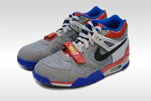 10-cool-movie-themed-nike-sneakers1