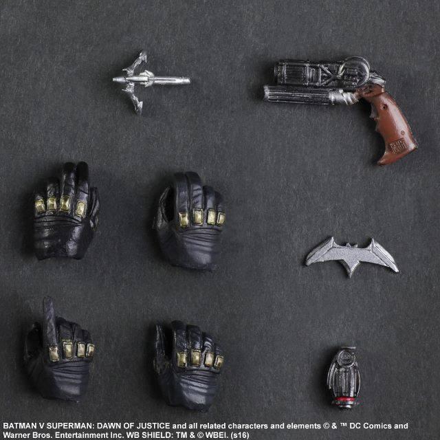BvS-Play-Arts-Kai-Batman-008.jpg