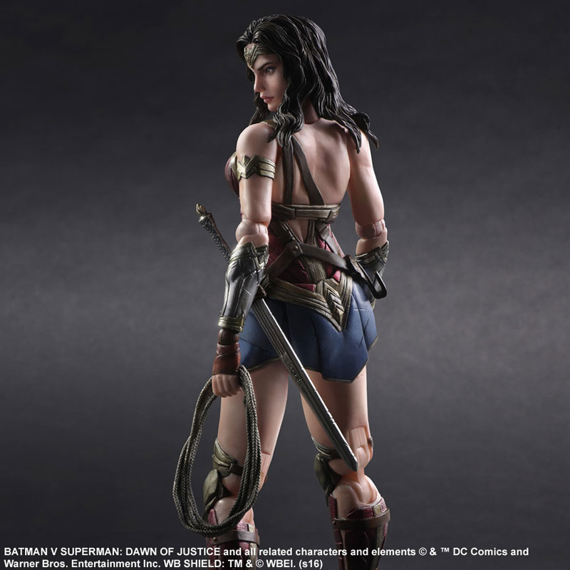 BvS-Play-Arts-Kai-Wonder-Woman-002.jpg