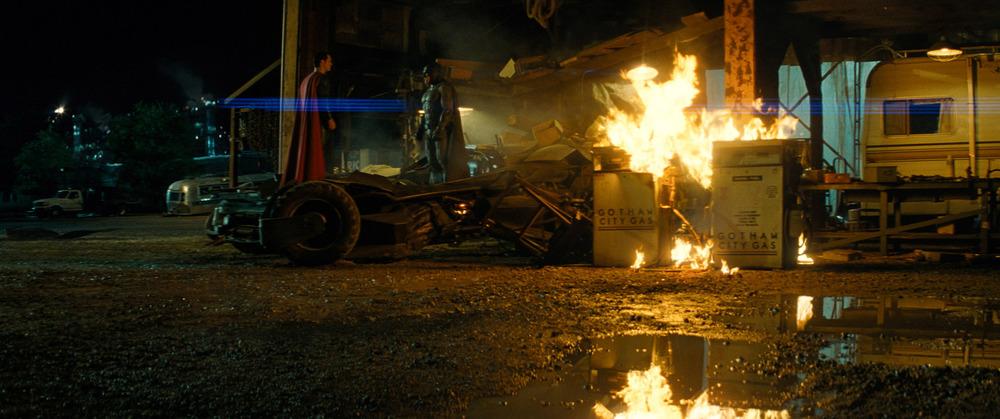 batman-v-superman-dawn-of-justice-batmobile-fight.jpg