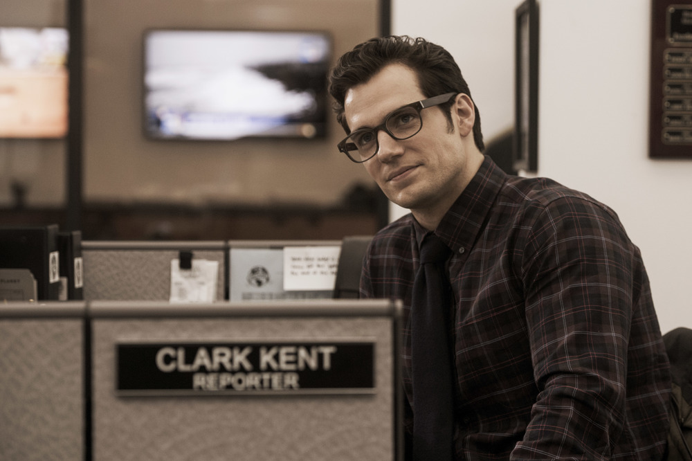 henry-cavill-clark-kent-batman-vs-superman.jpg