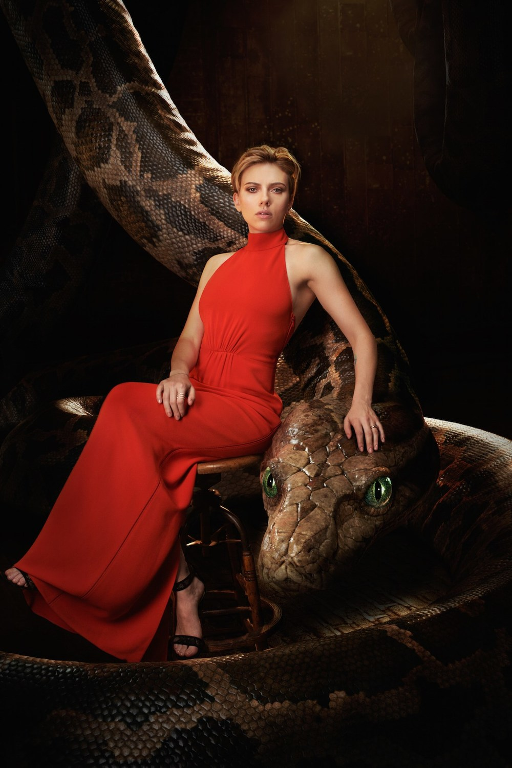 the-jungle-book-cast-pose-with-their-animal-characters-in-photo-series3