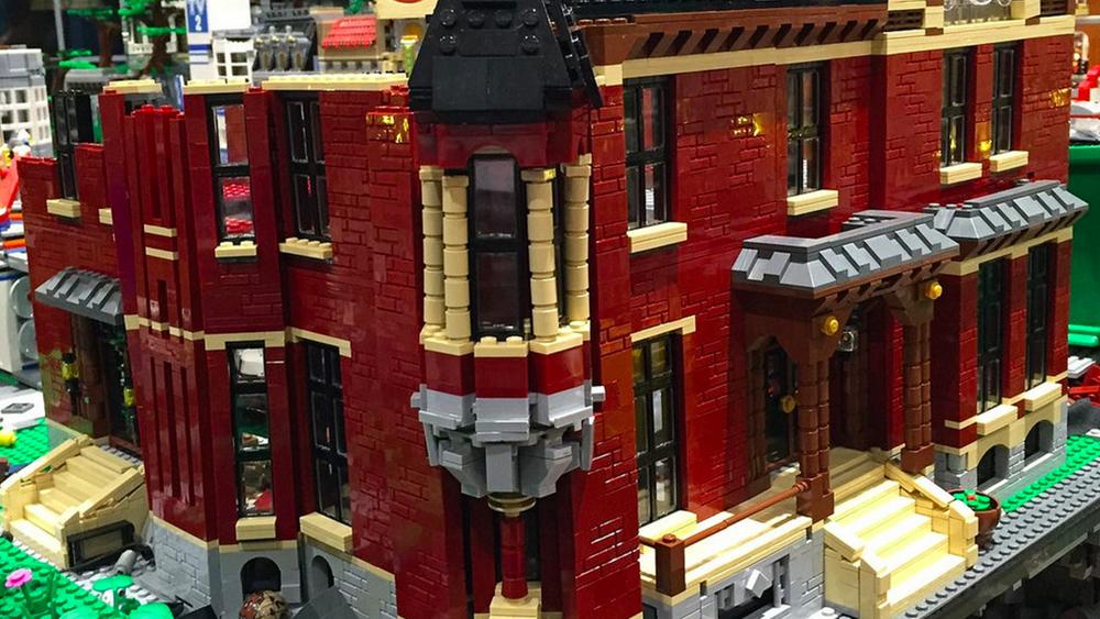 LEGO Batcave 4.jpg